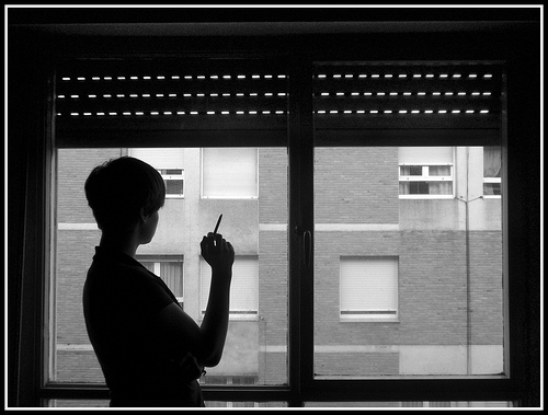 Ambientador anti tabaco elimina los malos humos - Como eliminar el humo del tabaco en una habitacion ...