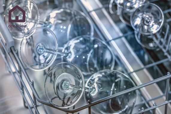 Cómo organizar el lavavajillas para que limpie mejor